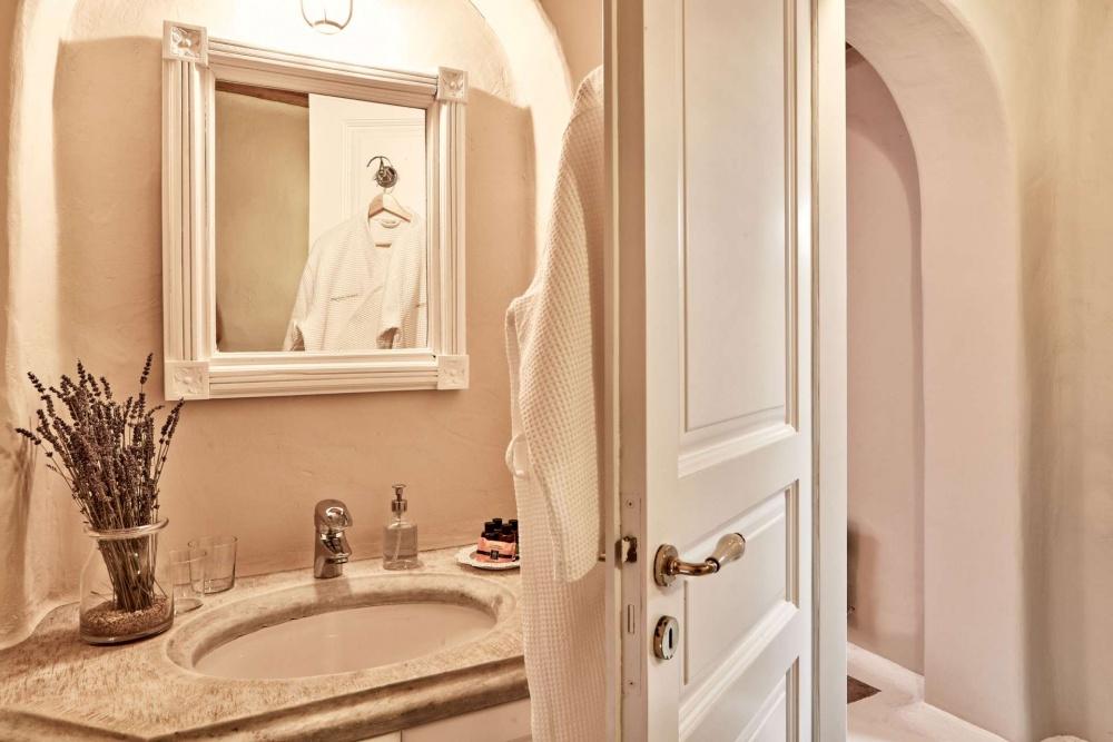 Agrari,Mykonos,Greece 84600,6 Bedrooms Bedrooms,7 BathroomsBathrooms,Villa,1022